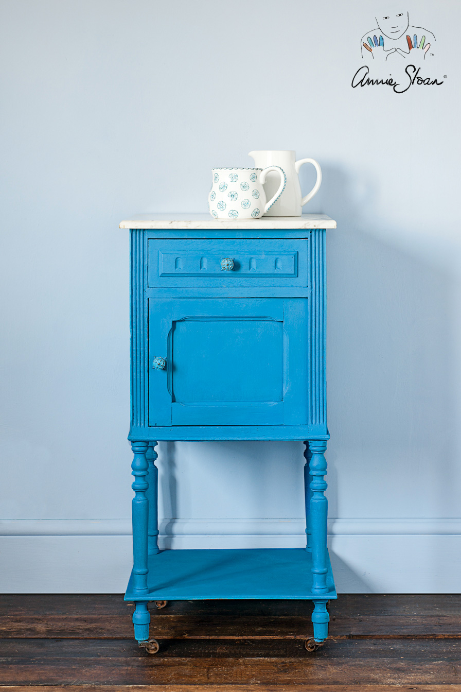 giverny_sidetable
